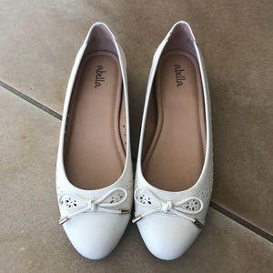 Abella Women's White Fleri Slip On Shoe Size 8